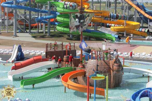 Гордость комплекса – огромный центральный бассейн на 1720 кв. м 37c0551a8b387