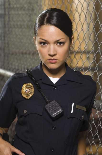 Как устроится на работу в полицию девушке без юридического образования работа онлайн губаха