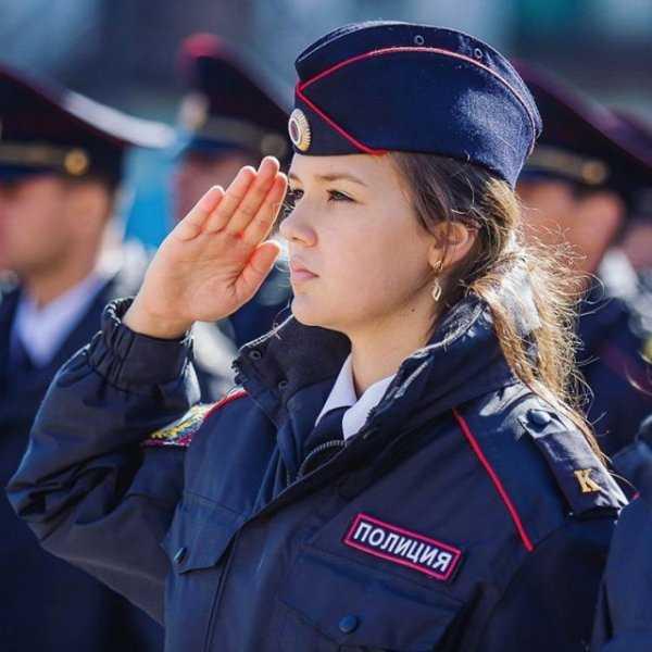 Вакансии на работу в полиции девушке требуются девушки для работы в японии книга шилова