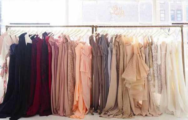 bda6f175c29fb Многие из них создают свои шоу-румы женской одежды в Москве. Например,  можно выделить XARIZMAS. Это российский бренд, который отличается высоким  качеством ...